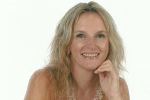 Mariel Emilce Alejandre recibe el XIII Premio Eupharlaw-Ibercisalud